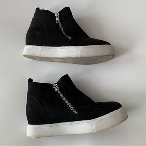 Soda Taylor Black Suede Sneaker Wedges, Size 6.5